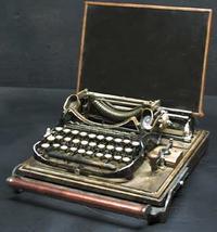 typewriterlaptop.jpg