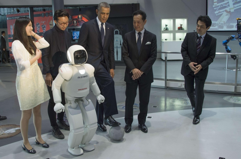 barack-obama-with-asimo-robot