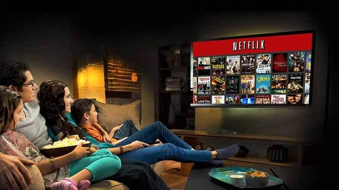 family-watching-netflix