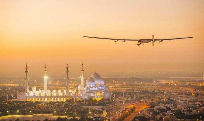 2015_02_26_Solar_Impulse_2_RTW_First_Test_Flight_AbuDhabi_Revillard__03