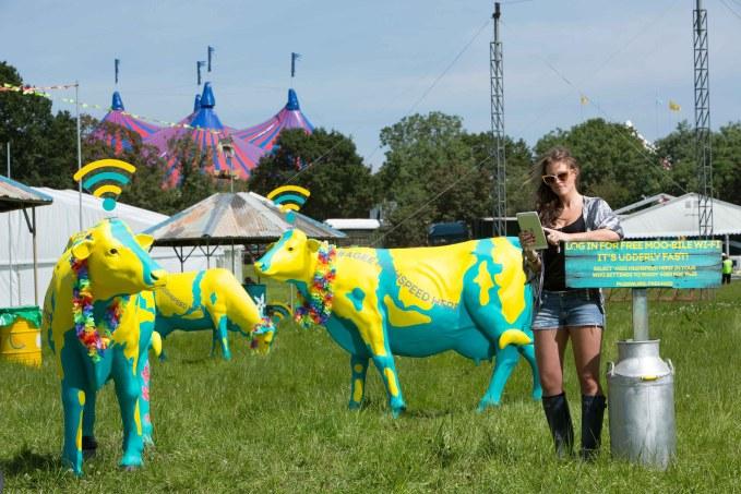 EE-Highspeed-Herd-and-Festival-goer1