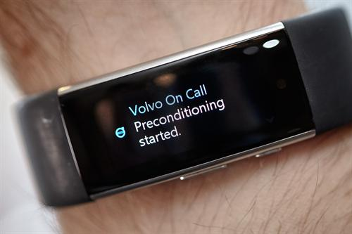 This Microsoft wearable can be used to control a number of car functions