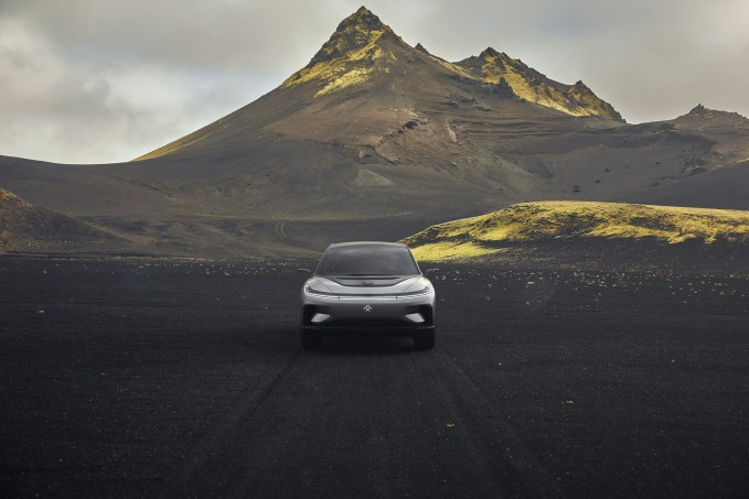 ff91-electric-cars-transport-design-vehicles-ces-2017_dezeen_dezeen_2364_col_25.jpg
