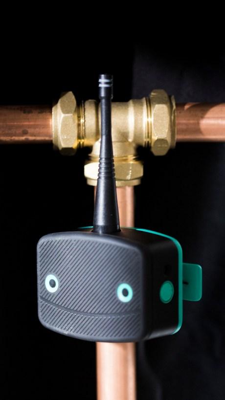 Leakbot - pipe.jpg