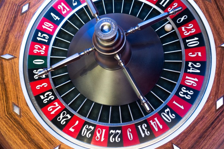 roulette-roulette-wheel-ball-turn.jpg