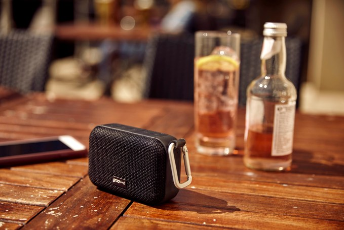 GVSP462 lifestyle1.jpg  - GVSP462 lifestyle1 - Groov-e makes announces Bluetooth speakers in splash-proof case