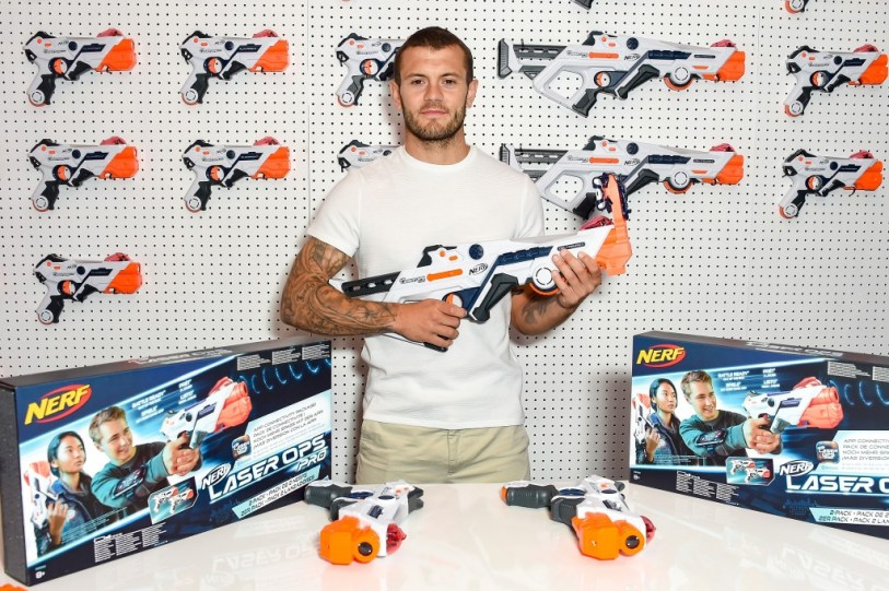 - DMB NERF Laser Ops Pro Celeb approve097 1024x682 - NERF Laser Ops Pro gun comes with free app to customise blasters!