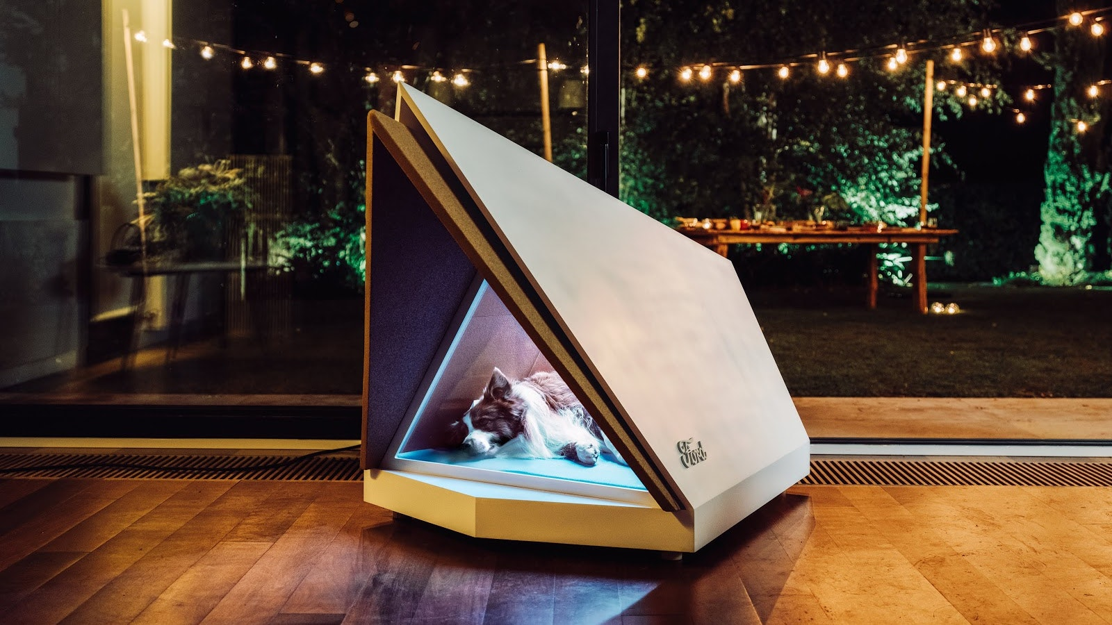 Noise-Cancelling Kennel Protects Your Pup From Fireworks Noise