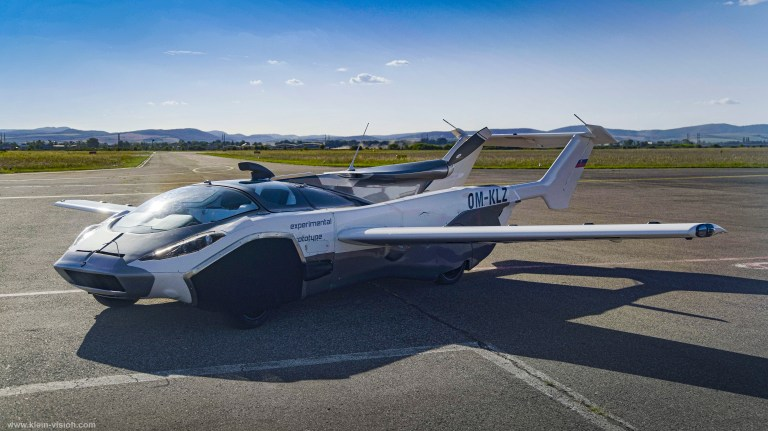 AirCar completes flight tests
