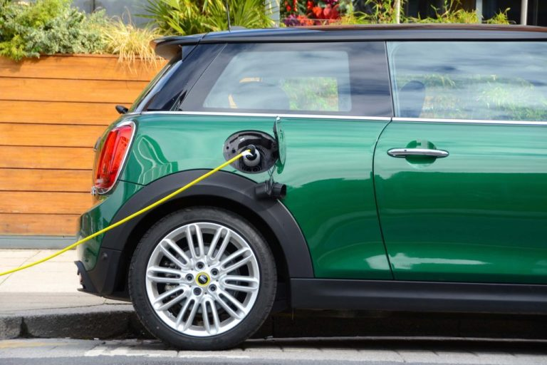 8 in 10 drivers think electric cars are too expensive
