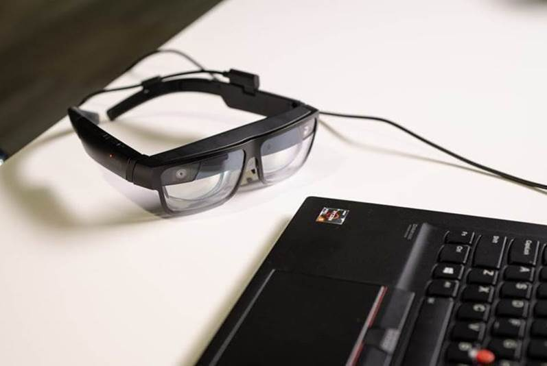 Lenovo ThinkReality A3 AR smart glasses needs a Motorola phone to work