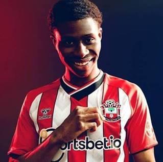 Southampton FC unveils AR home shirt