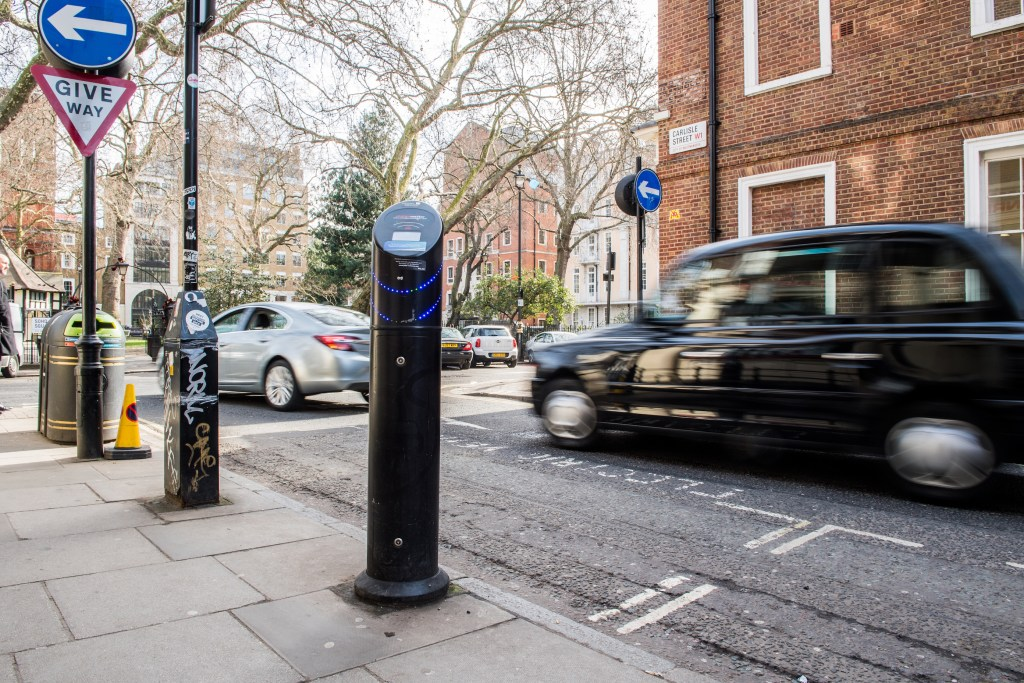 Nearly 3000 EV charging points added to South East in last 12 months