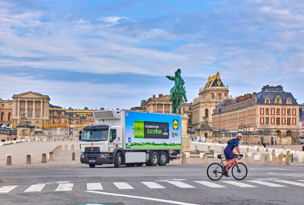 Renault extends electric truck range