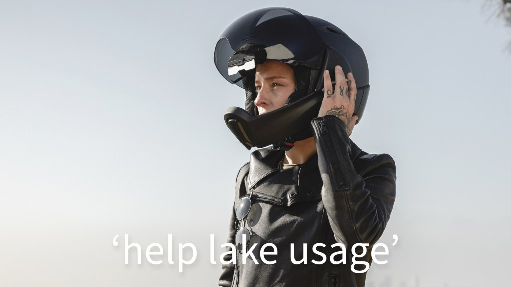 Smart motorcycle helmet adds what3words navigation