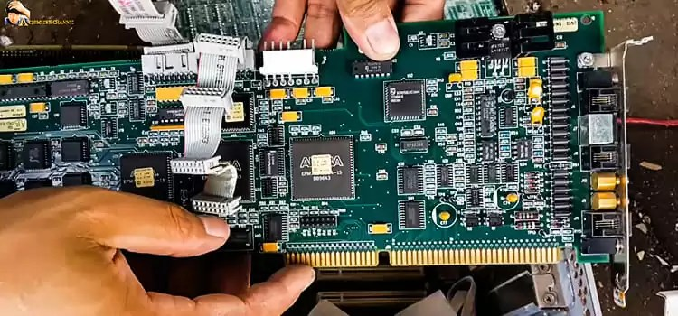 How Much Gold is in a Motherboard 1