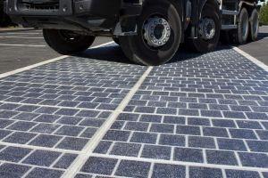 França planeia pavimentar 1000 km de estrada com painéis solares