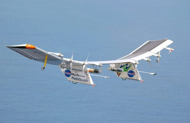Pathfinder_Plus_solar_aircraft_over_Hawaii
