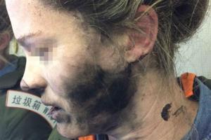 Auscultadores explodem em pleno voo na cabeça de uma mulher