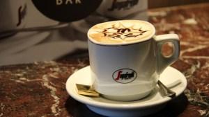 Bioplástico: Transformar borras de café em plástico