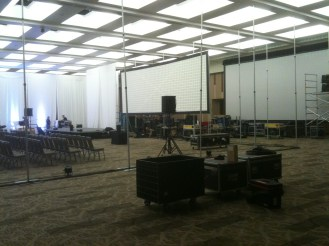 Cutting off a room with Pipe&Drape for multiple-day size setups.