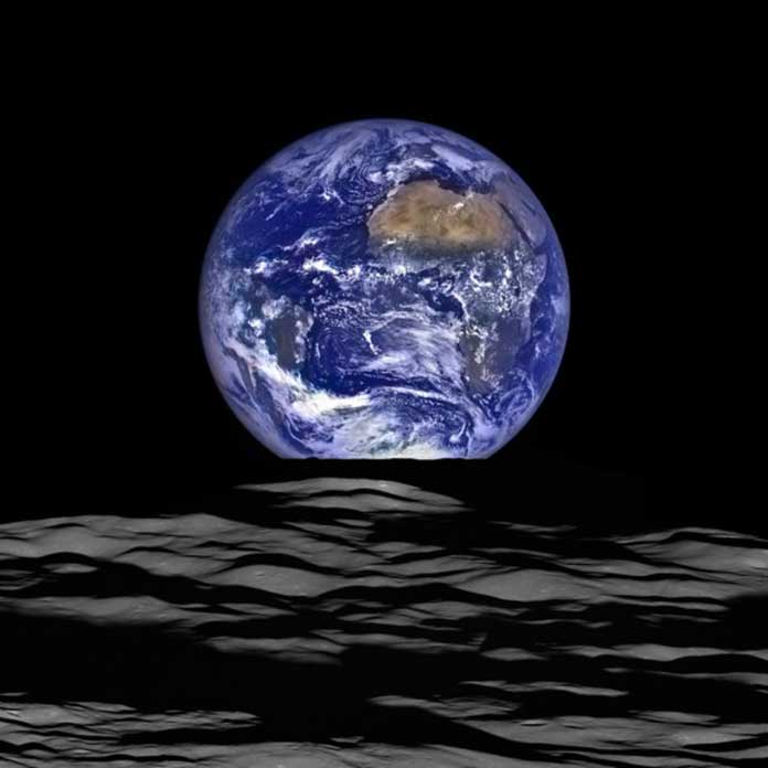 Moon formation brought water to the Earth