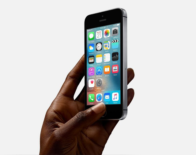 iphone se-black-techfoogle