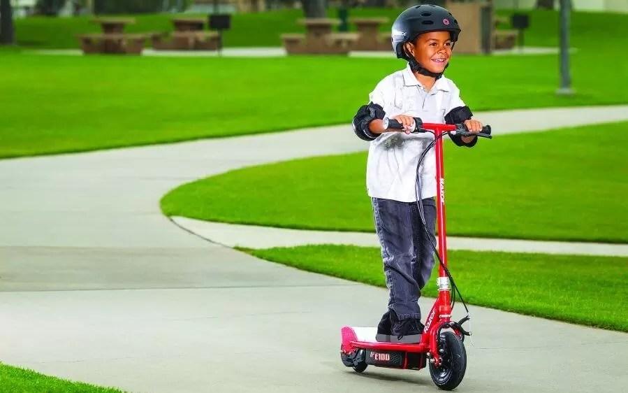Razor E100 - Cea mai bună trotinetă electrică pentru copii