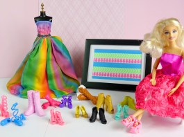 Shopping in Barbie Dress-Up Games