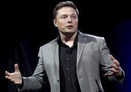 Elon Musk Tesla'nın yönetim kurulundan ayrılıyor