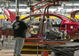 GM fabrikasını durdurma tarihini erteledi