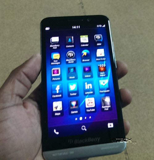 BlackBerry makes a bigger 5-inch Z30 smartphone: We drool