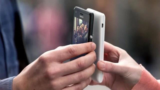 NFC share photos