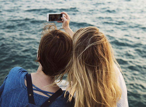 115 Best Friend Picture Captions & Quotes for Instagram