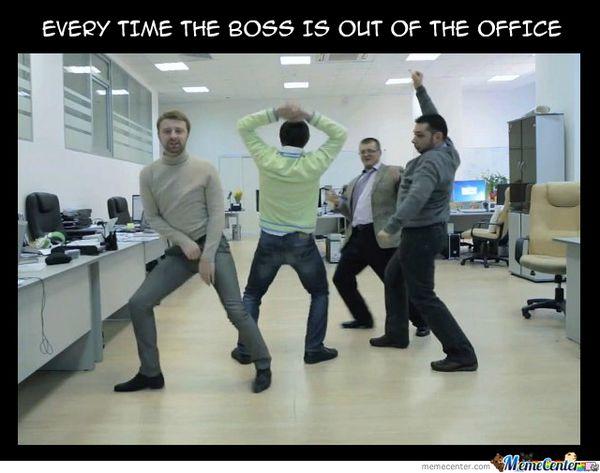 Великолепный мем об отсутствии на работе