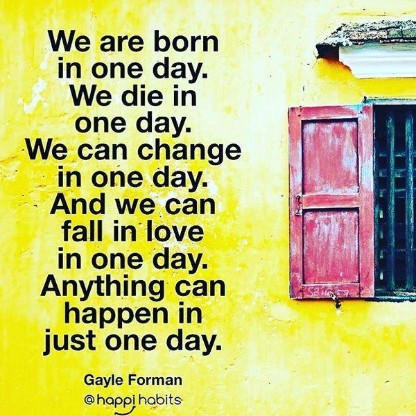 Мы рождаемся в один день.  Мы умираем в один день.