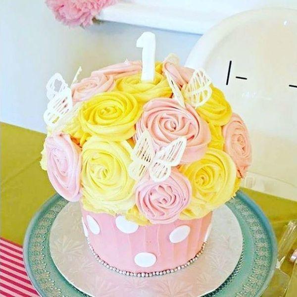 чудесный торт на первый день рождения