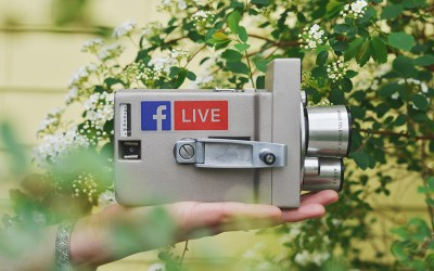 How to split screen on Facebook Live