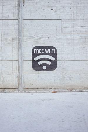 use a chromecast without wifi