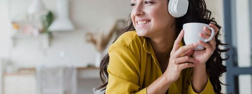 how to play roku through headphones