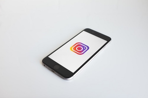 Instagram why messages are blue