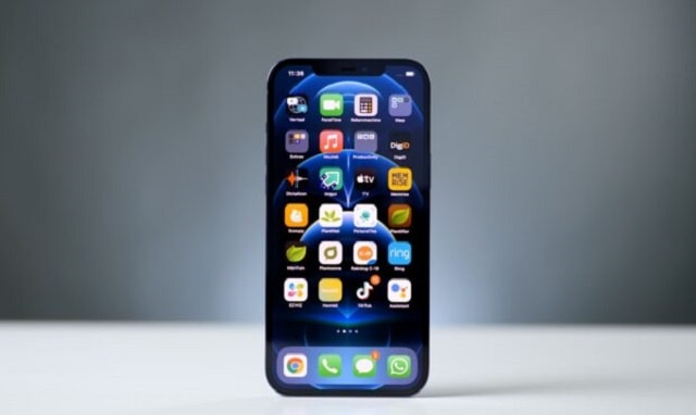 iPhone 12 Pro Max screen test breaks records