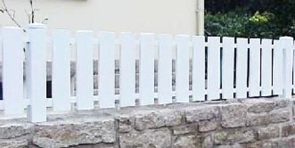 Barreaudage Pvc Blanc Ajoure Devis Sur Techni Contact Cloture En Lames
