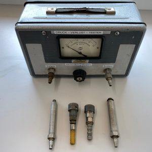 Druckverlust Tester Motometer Originalteil gebraucht Funktioniert einwandfrei, gründlich geputzt, Markierungen überarbeitet und geprüft.