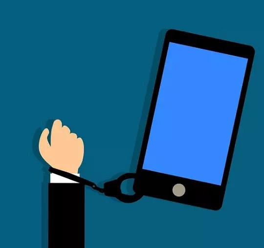 Blue Light Filter - Addiction to Smart Phones