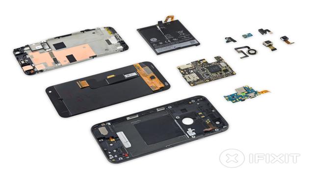 TechnoBlitz.it Il Google Pixel XL smontato da iFixit