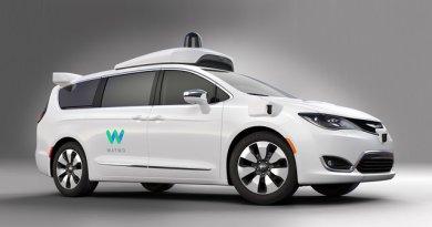 TechnoBlitz.it Google: presentato il suo primo minivan autonomo