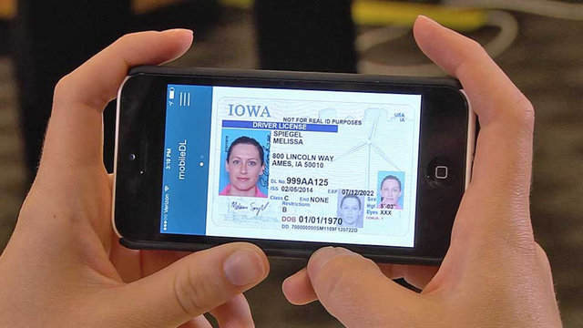 TechnoBlitz.it Patente su smartphone: in UK presto disponibile la copia digitale della licenza di guida