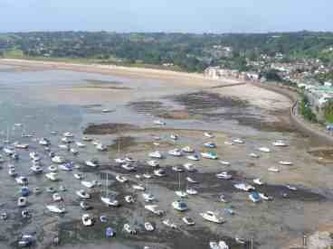 gorey_harbour_at_low_tide