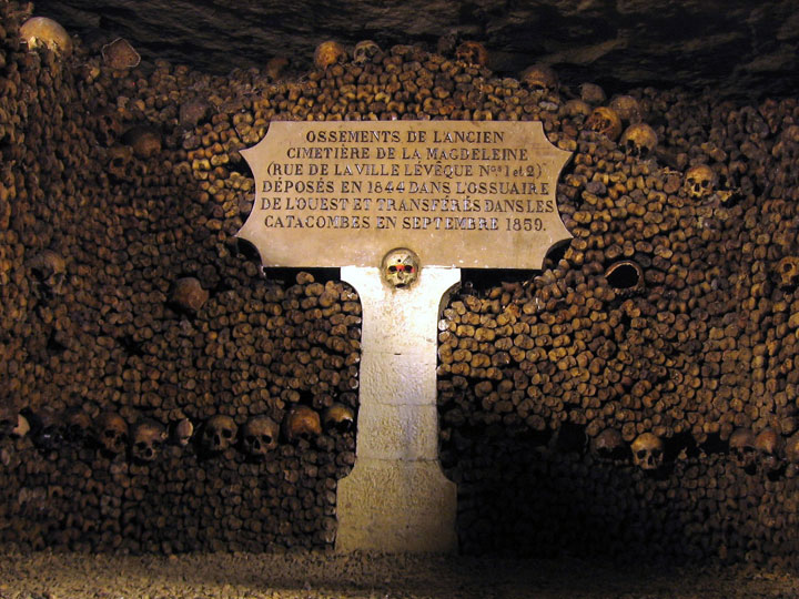 The Catacombs of Paris-The 10 Most Scary Places On The Earth-30